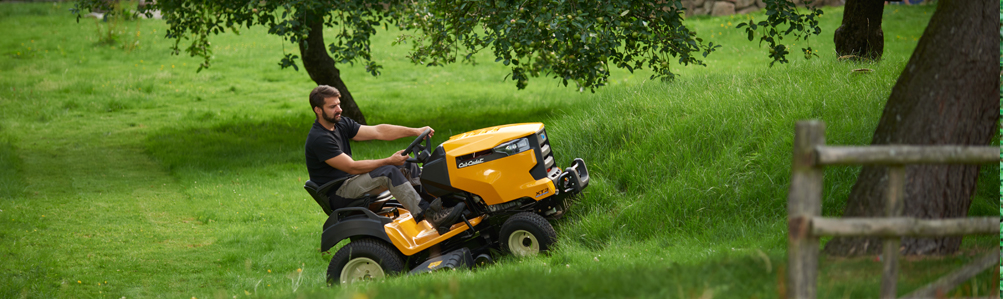 Side Discharge / Mulching Lawn Tractors