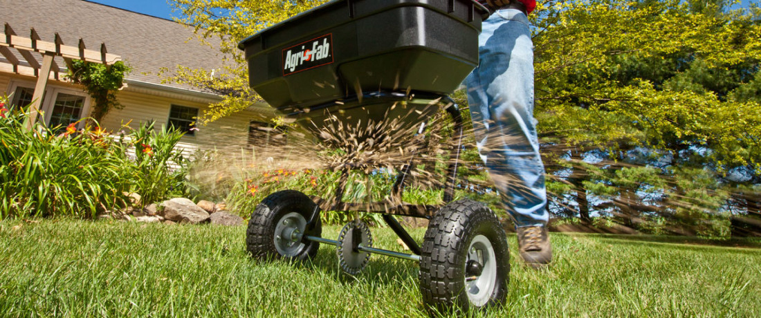 Agri-Fab 45-0214 100lb Push Broadcast Spreader